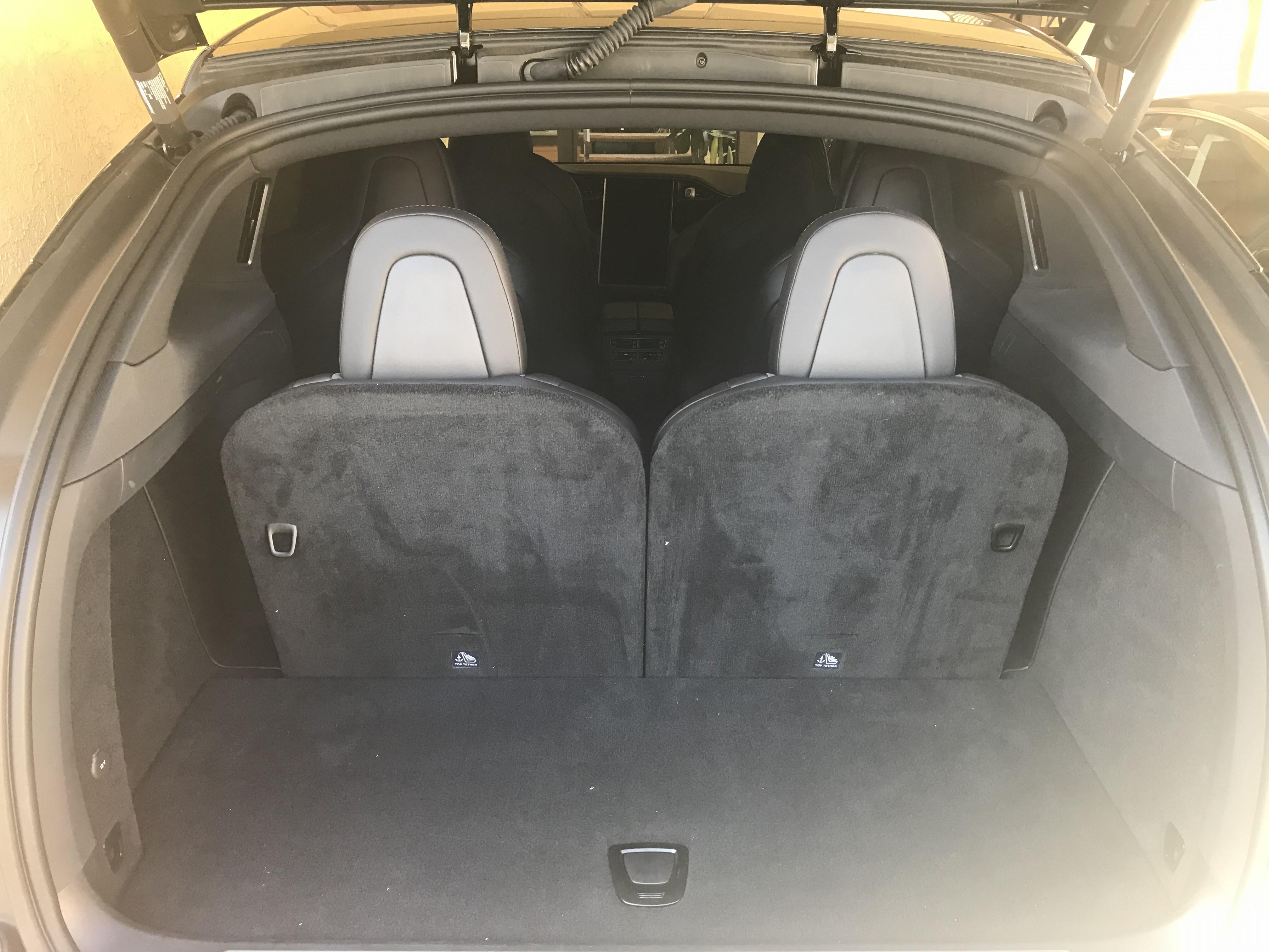 テスラ Model X車内